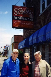 Grant with his brother David, and David's wife Helen, in Cleveland.