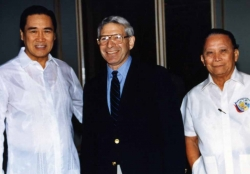 Grant Goodman with Leocadio de Asis (left) in Manila, late 1980s.