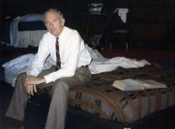 Arnold Weiss (Arthur Chambers) in the first chamber on the set.