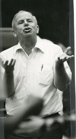 Bob Kahle (Pope Parazzo) in rehearsal.
