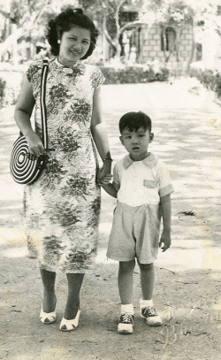 Paul visiting Fookien, China with Mom, 1948.