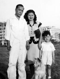 Family photo in Luneta Rizal Park, 1948.